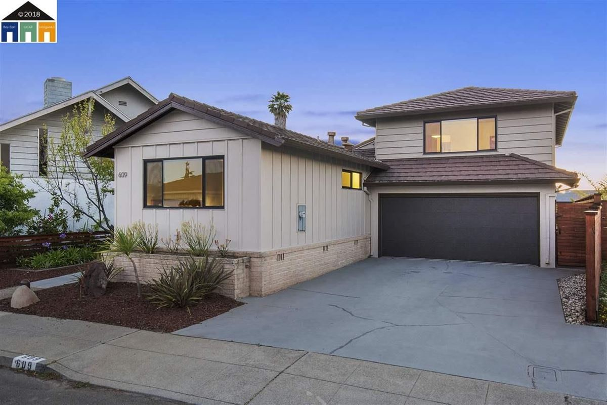Mansions in extensively updated mid-century lagoon home