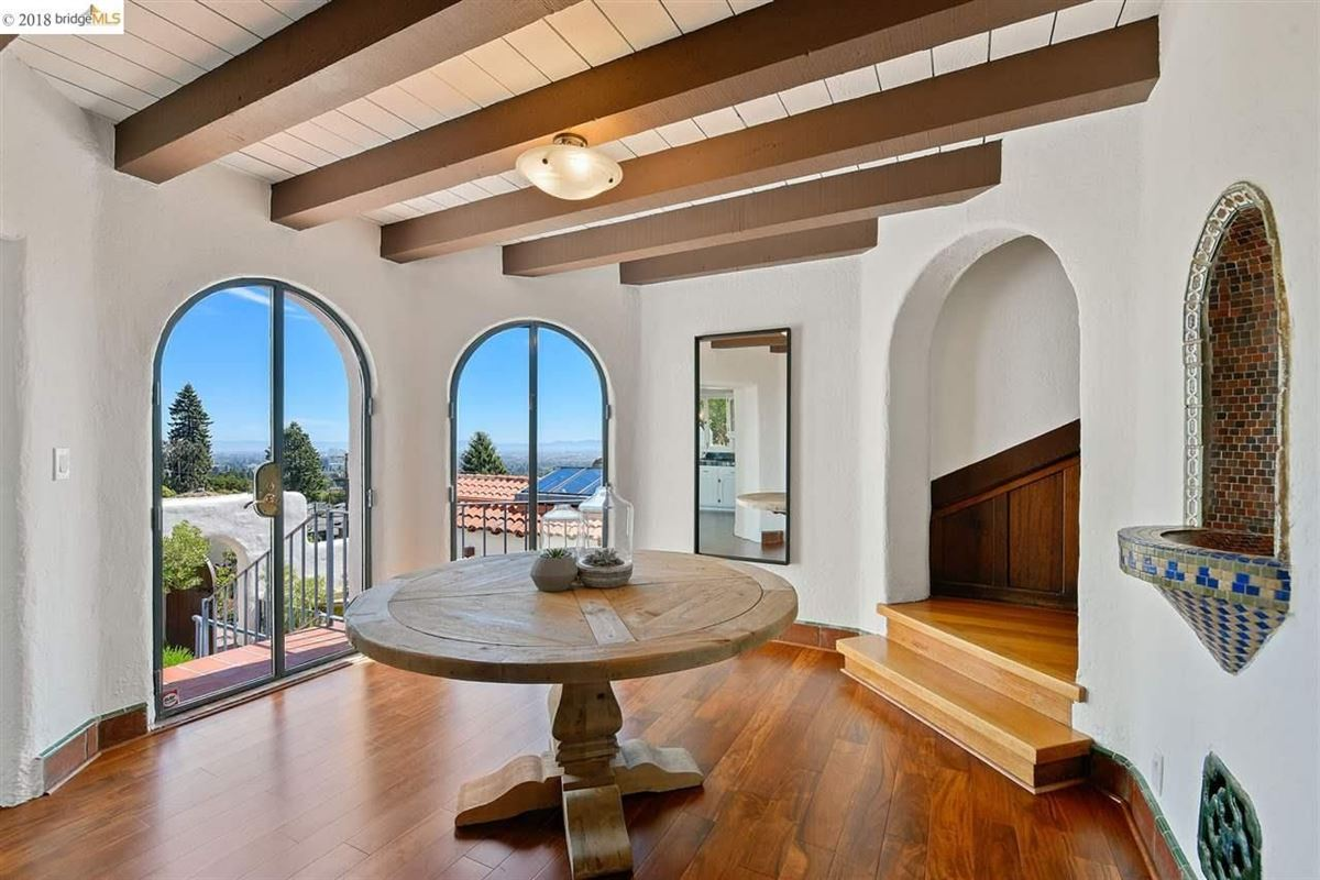 Luxury real estate retreat in the heart of the North Berkeley Hills