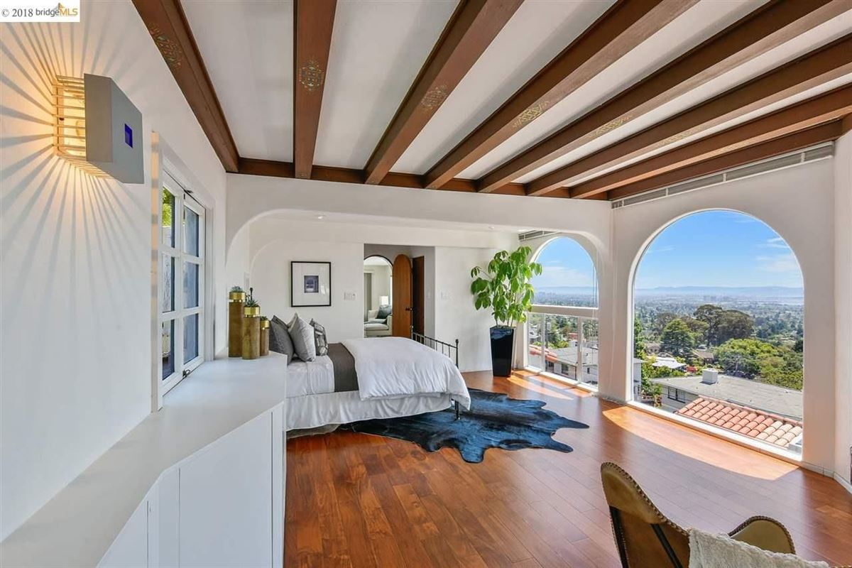 Luxury homes retreat in the heart of the North Berkeley Hills
