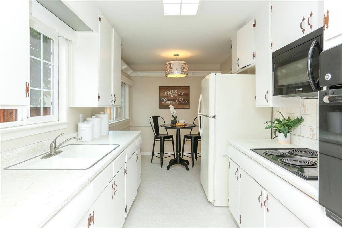 coveted Birdland neighborhood in santa clara luxury homes