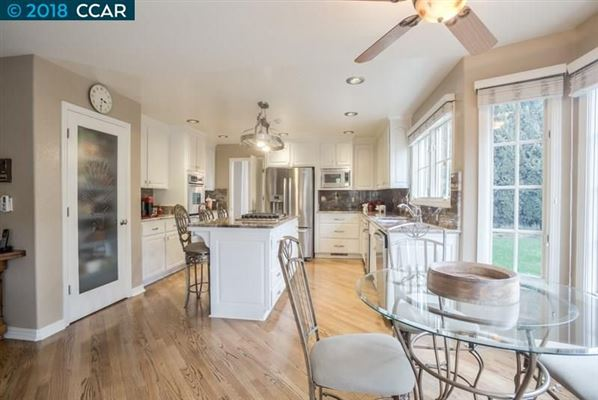 Luxury homes Fabulous, updated and remodeled home