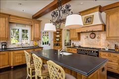 Mansions Extraordinary Estate in Crescent Park