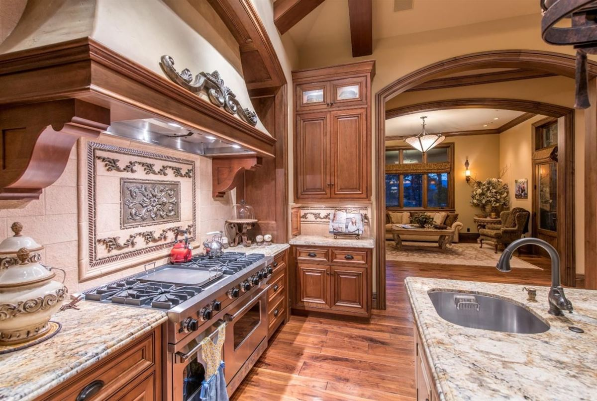 Magnificent gated luxury estate luxury properties