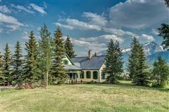 Crested Butte, a longtime landmark for local residents and visitors luxury real estate