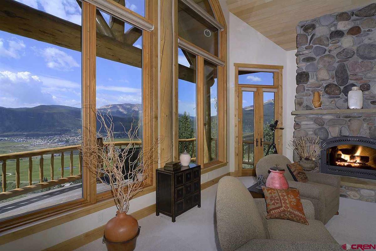 highly desirable Summit neighborhood luxury homes