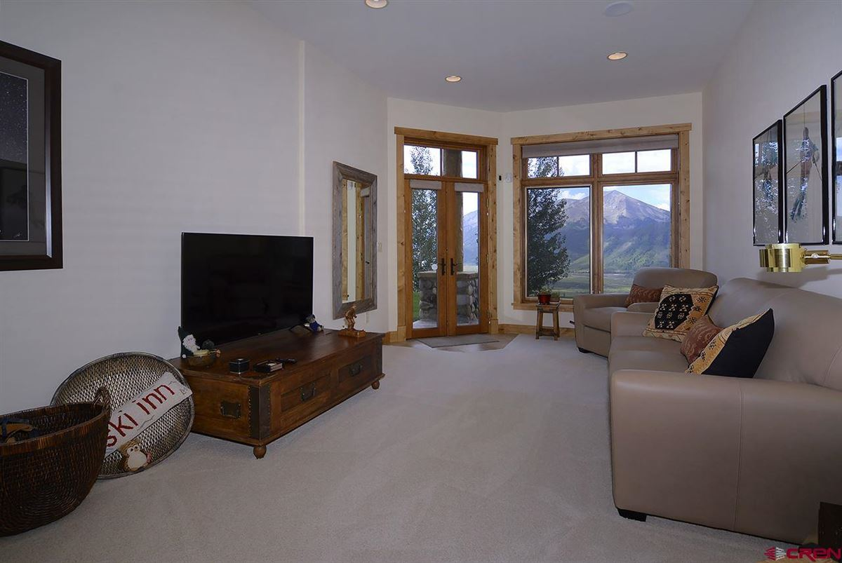 highly desirable Summit neighborhood luxury properties