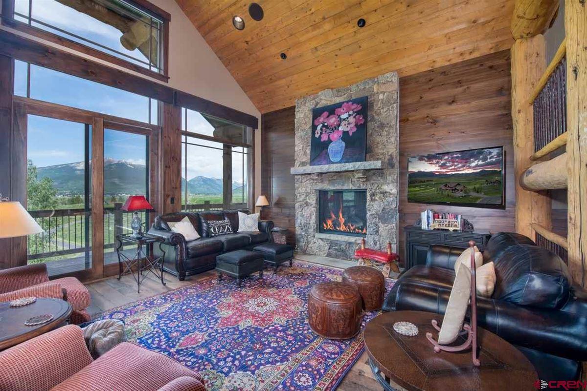Luxury real estate custom turnkey home in Skyland