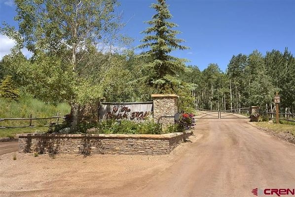 Magnificent home on 35 acres in the Smith Hill Ranches luxury properties