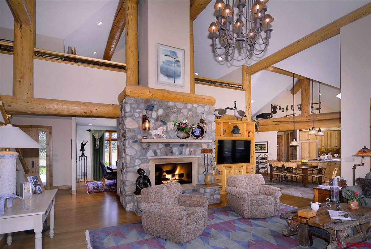 Luxury properties Exclusive Estate on The Slate River