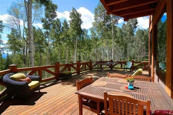 THE SMITH HILL RANCHES luxury properties