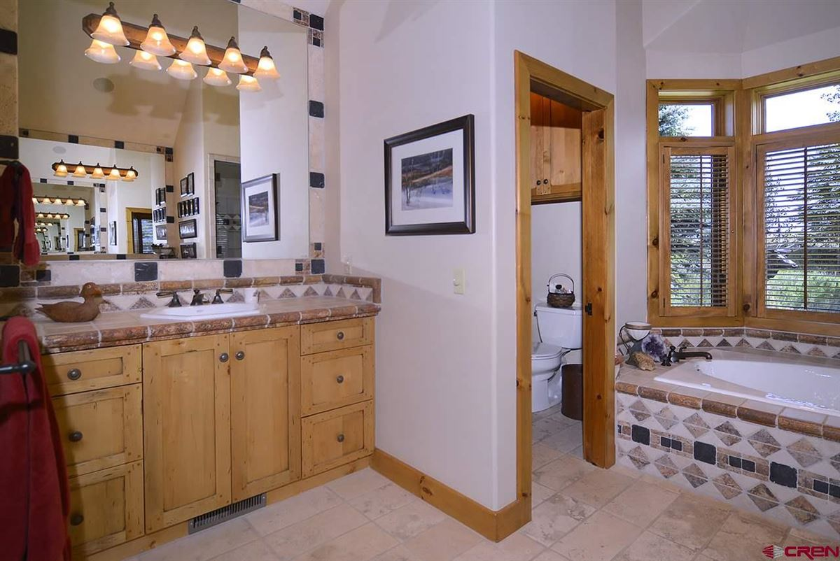 Exclusive Estate in Crested Butte mansions