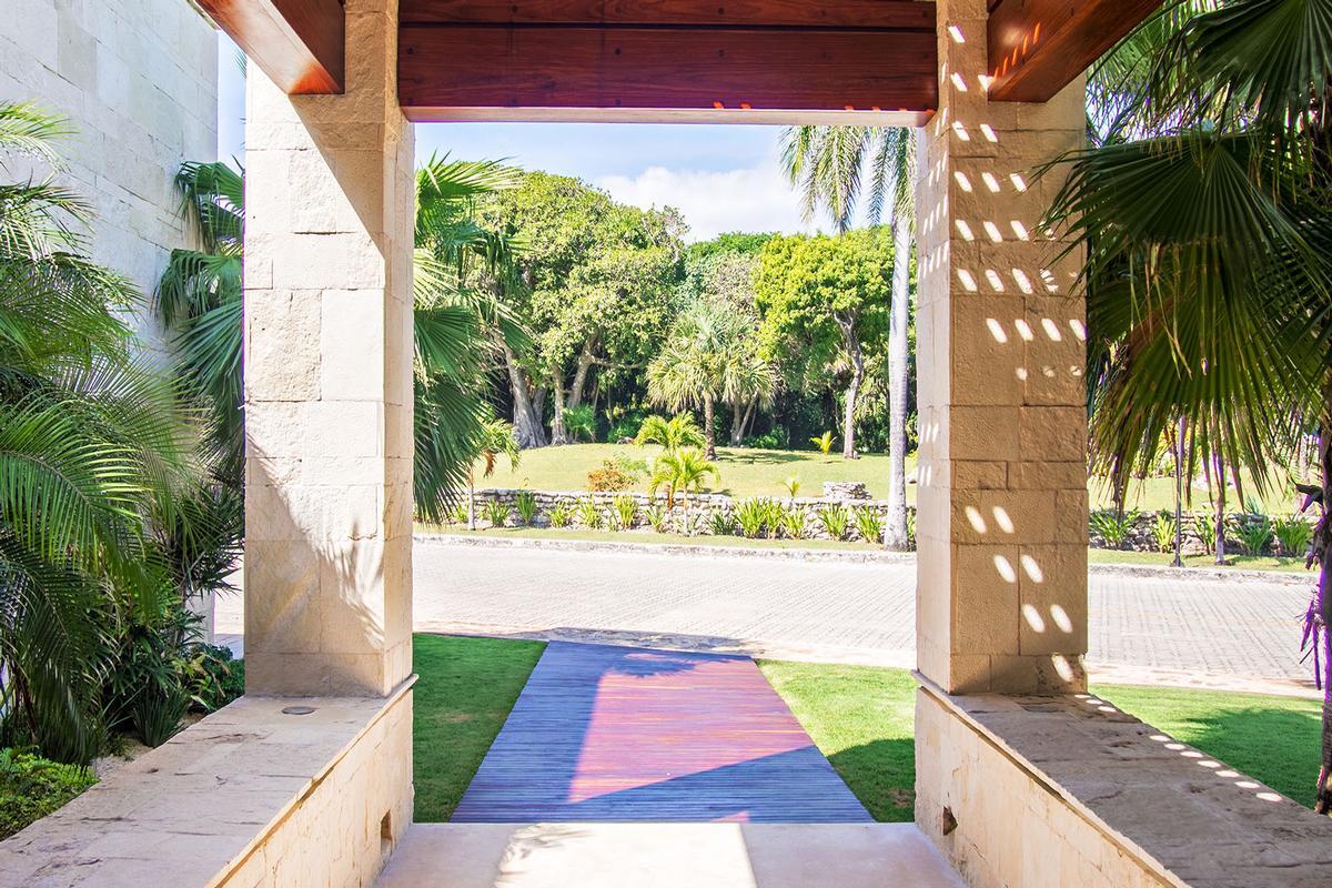 Luxury real estate CASA SAANEN in Playa Del Carmen