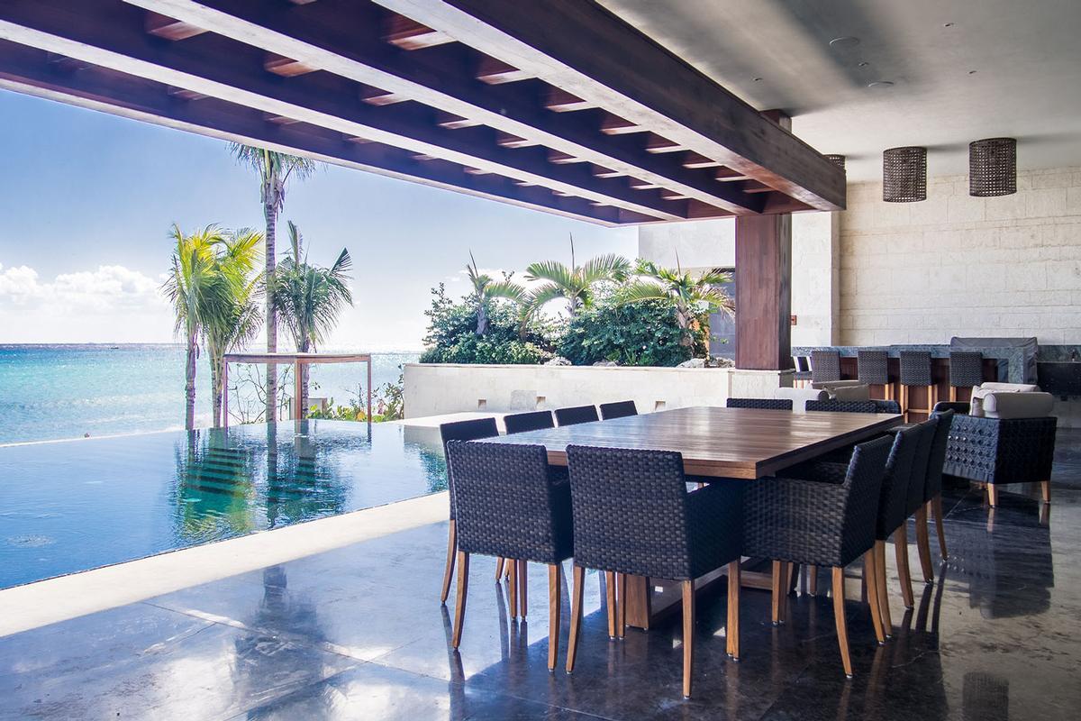 CASA SAANEN in Playa Del Carmen luxury homes