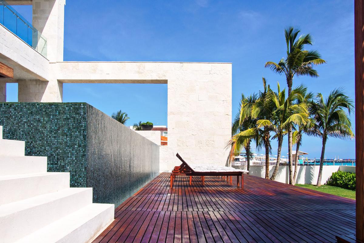CASA SAANEN in Playa Del Carmen luxury real estate