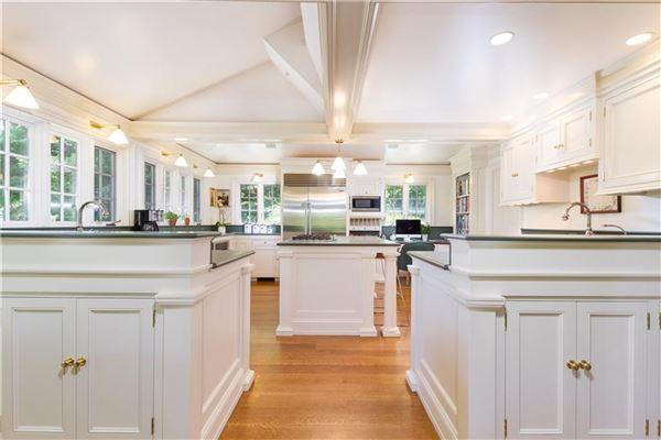 Stillmeadow Farm mansions