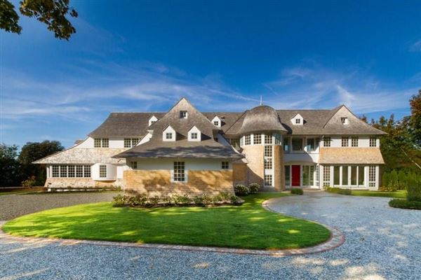 Mansions in Exceptional custom-built new construction