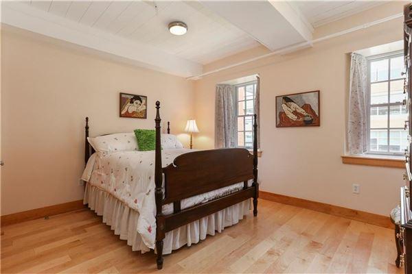 Luxury homes Direct waterfront penthouse luxury loft style condo