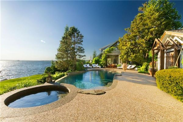 a Waterfront estate luxury real estate