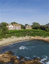 Luxury real estate Plaisance - a magnificent waterfront estate