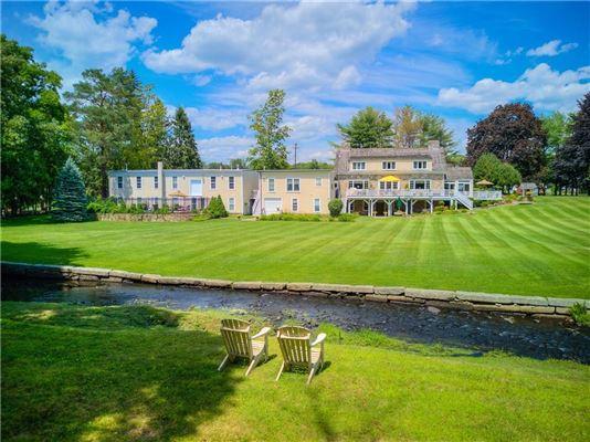 Luxury homes PRIVATE 16.7 ACRE ESTATE