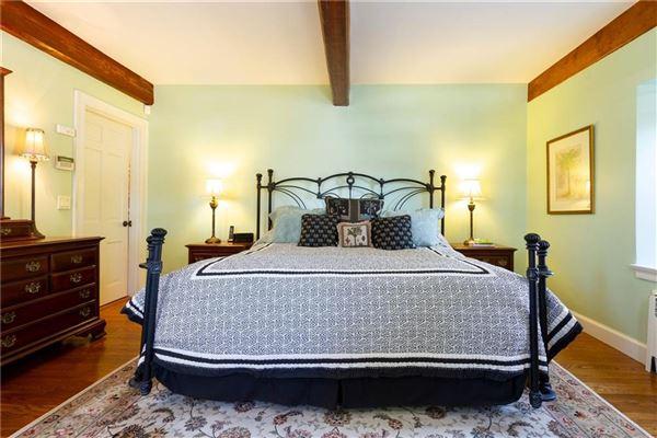 PRIVATE 16.7 ACRE ESTATE luxury homes