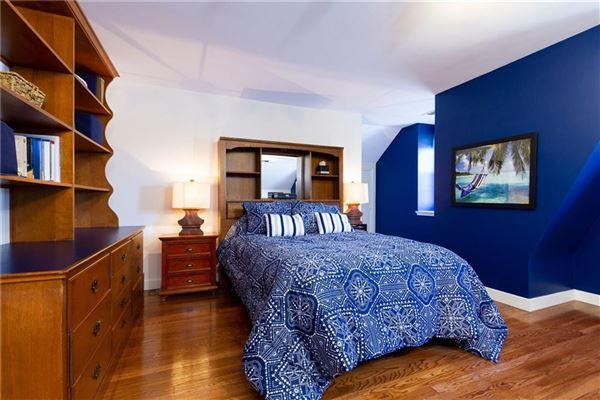 Luxury homes in PRIVATE 16.7 ACRE ESTATE