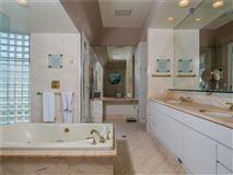 Luxury homes in Villa al Mare in newport