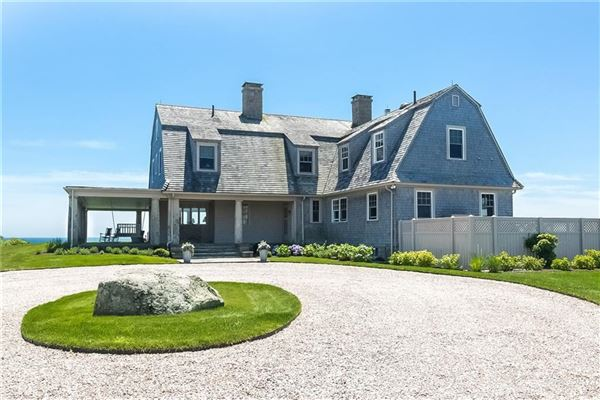 Luxury homes DIRECT OCEANFRONT WITH BEACH in Rhode Island