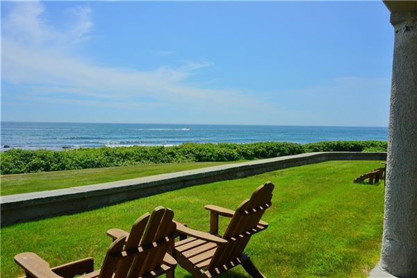 DIRECT OCEANFRONT WITH BEACH in Rhode Island luxury homes