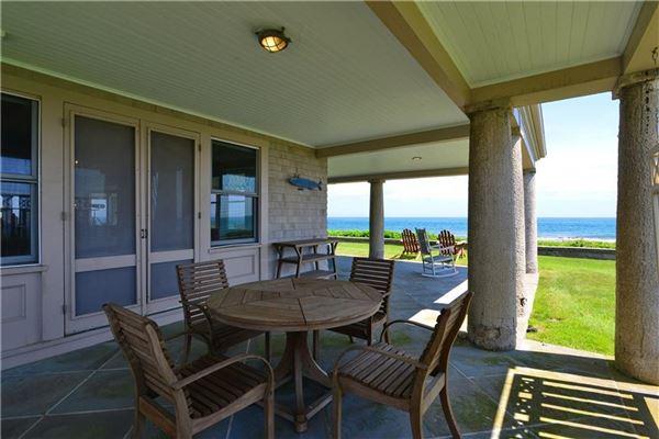 DIRECT OCEANFRONT WITH BEACH in Rhode Island luxury properties