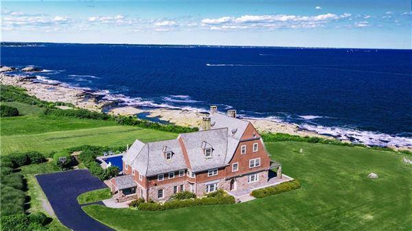 the perfect coastal retreat in Rhode Island luxury real estate