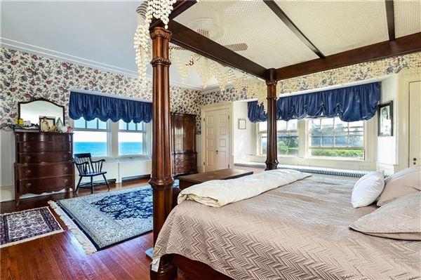 Luxury homes in the perfect coastal retreat in Rhode Island
