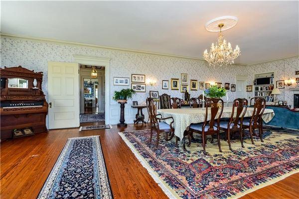 Luxury real estate the perfect coastal retreat in Rhode Island