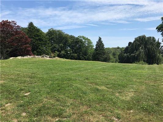 Mansions in 13.5 acre parcel sits Gooseneck Cove