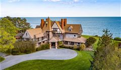 Luxury homes in an iconic oceanfront estate