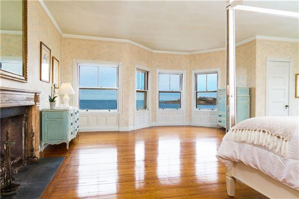 Luxury homes an iconic oceanfront estate