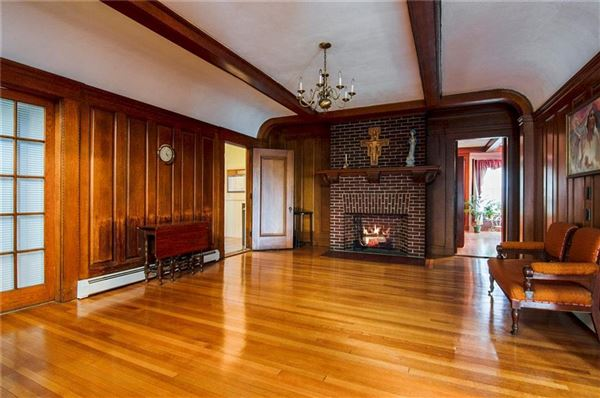 Luxury homes Grand Queen Anne Colonial revival style home