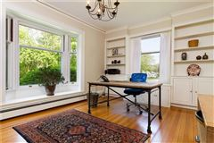 an Elegant estate home luxury homes