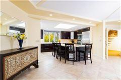Luxury properties original Mid-Century Modern home