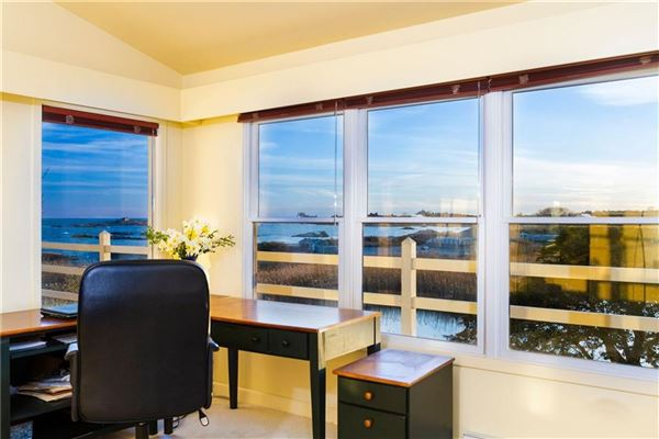 original Mid-Century Modern home luxury real estate