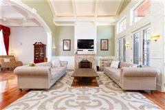 Mansions in  Elegant and welcoming Residence