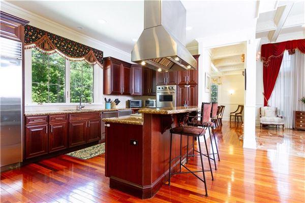 Luxury properties  Elegant and welcoming Residence