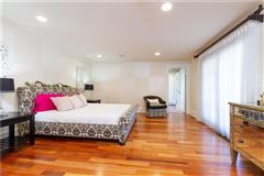 Elegant and welcoming Residence luxury real estate