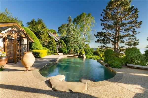 Luxury properties an extraordinary waterfront compound
