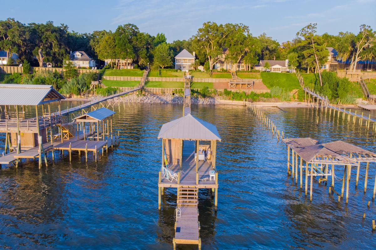 Classic Southern Bayfront luxury homes