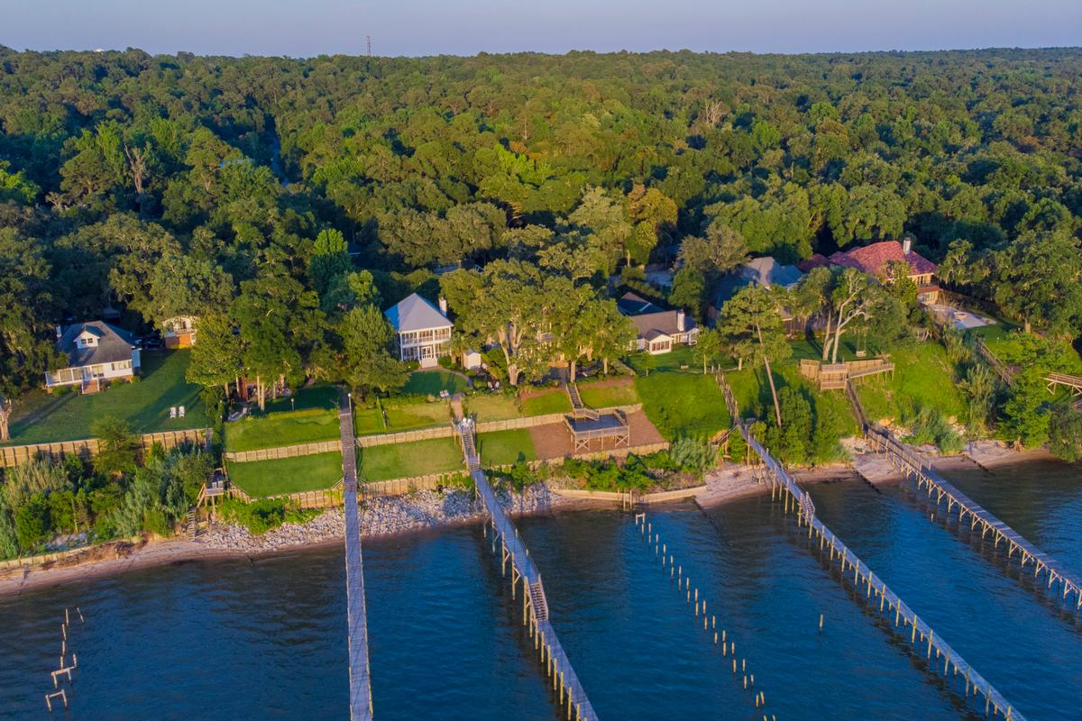 Luxury real estate Classic Southern Bayfront