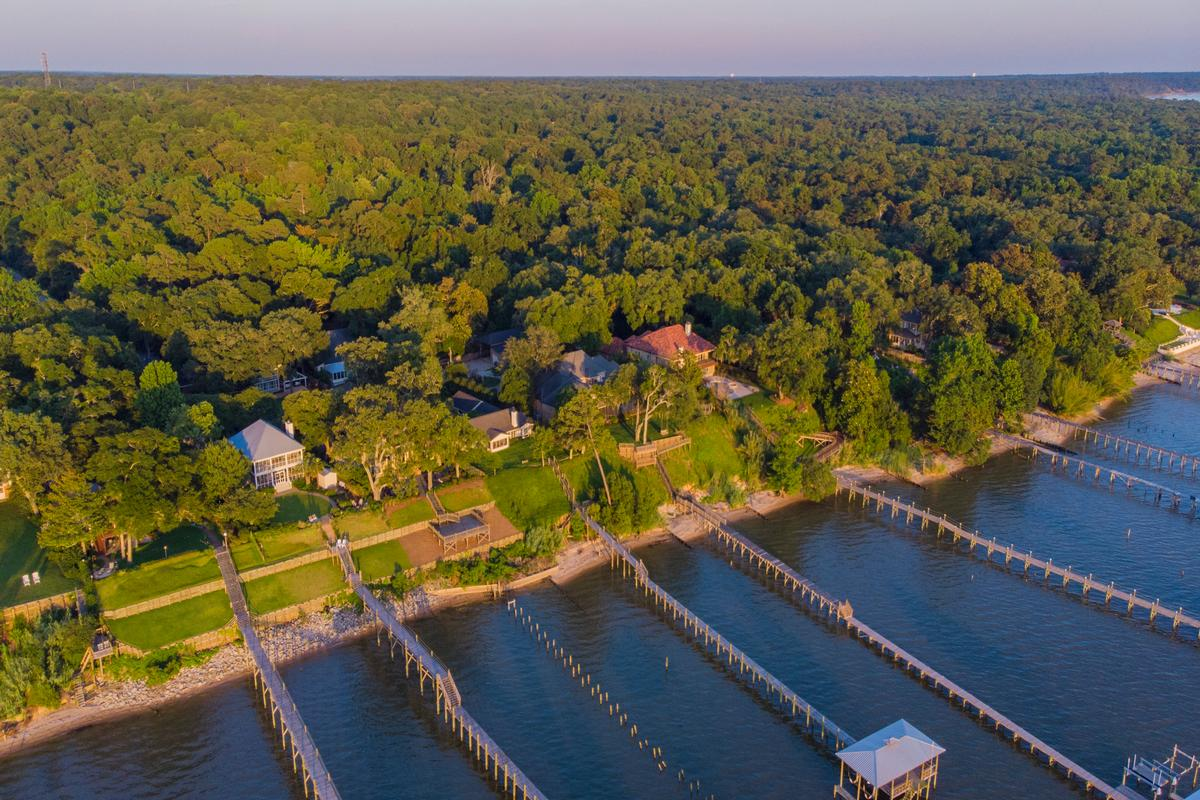 Classic Southern Bayfront luxury real estate