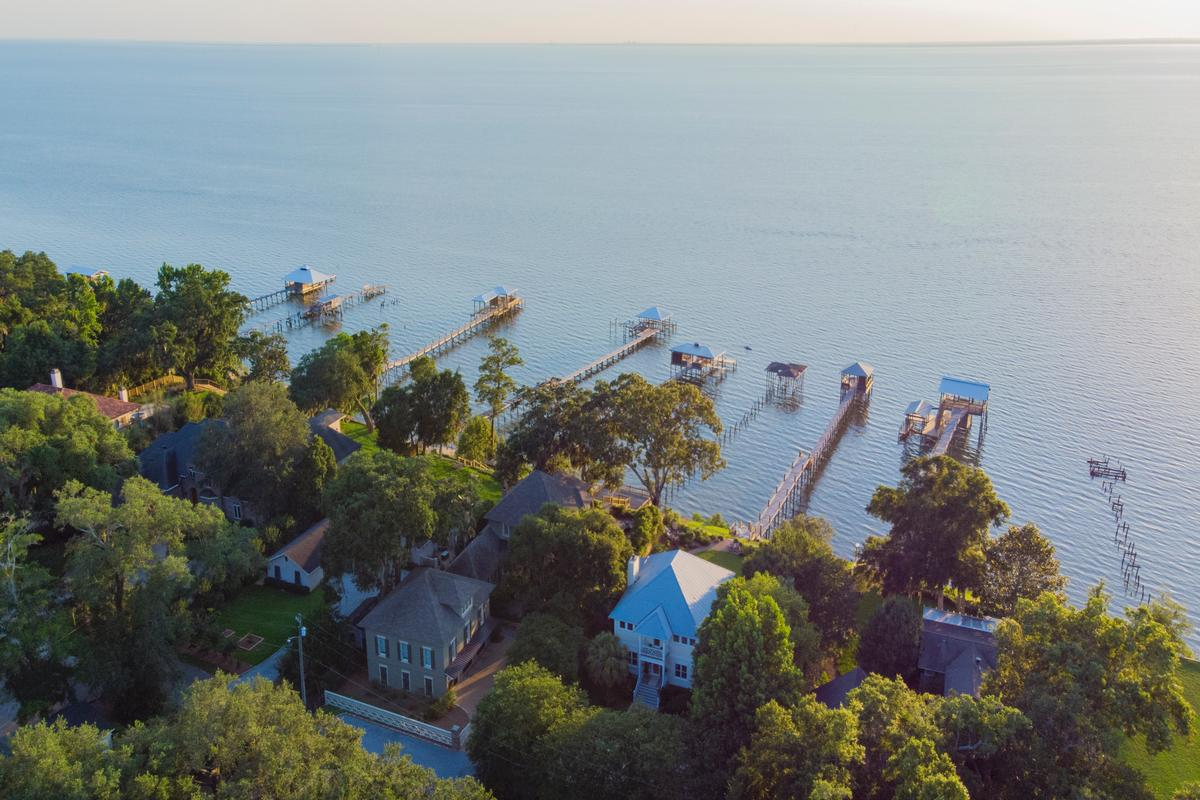 Classic Southern Bayfront mansions