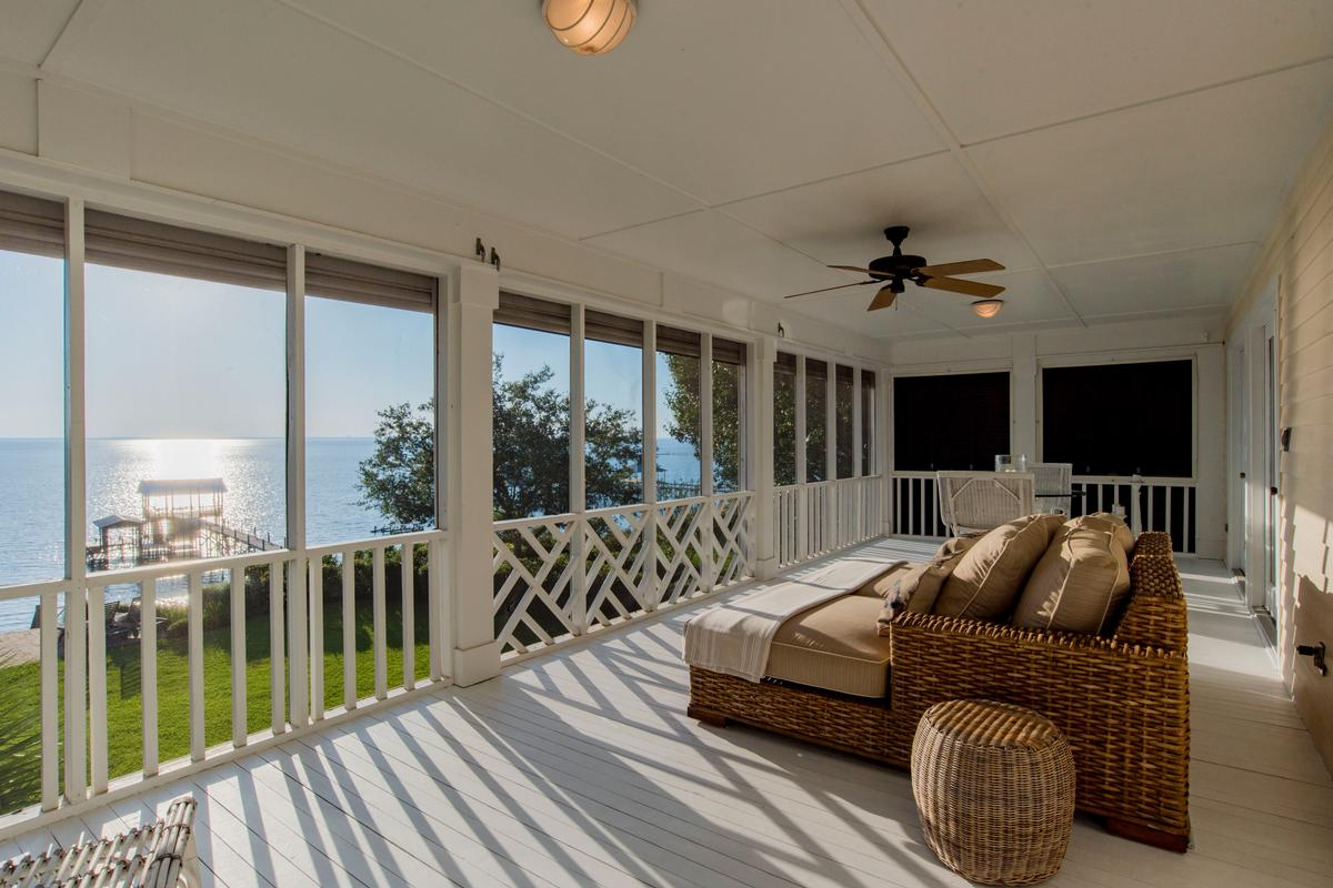 Luxury properties Classic Southern Bayfront