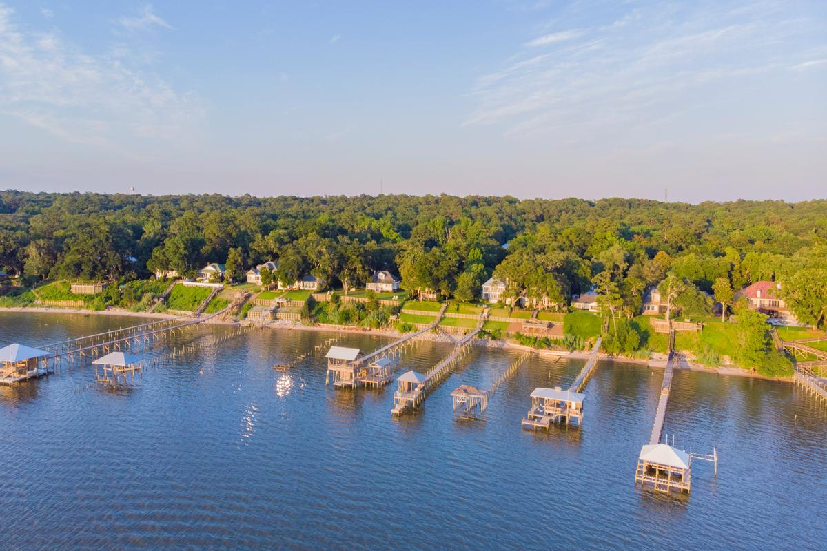 Classic Southern Bayfront luxury properties
